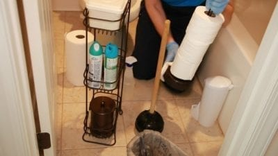 Cleaning The Items Around the Toilet, Clorox ToiletWand Product Review